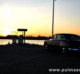 Pulmaauto rent. Retro limusiini rent Pärnus.